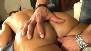 Lisa Ann jouit d'un massage de rêve