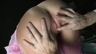Lissa Love baisée par un vieux pervers