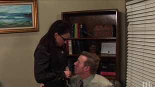 Eva Angelina se tape le patron dans le bureau